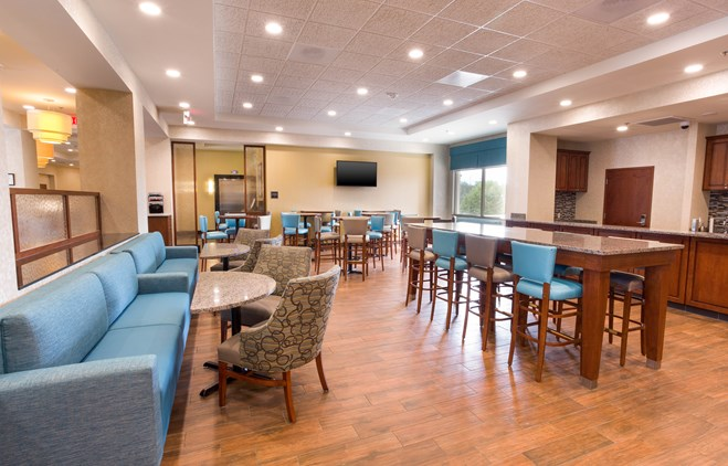 Drury Inn & Suites Brentwood - Dining Area