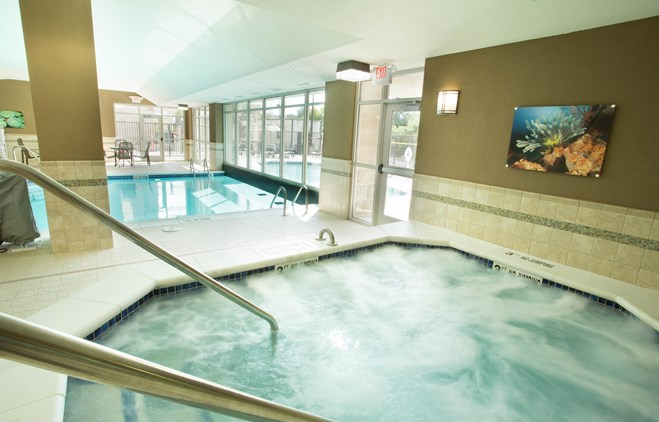 Drury Inn & Suites Brentwood - Indoor/Outdoor Pool