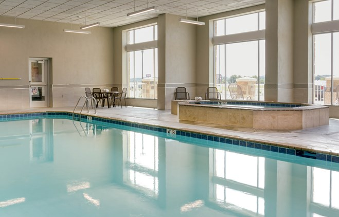 Drury Plaza Cape Girardeau - Indoor Pool