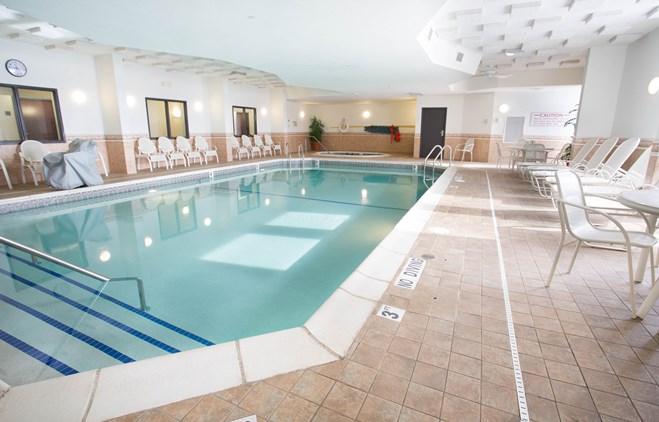 Drury Inn & Suites Troy - Indoor Pool