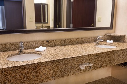 Drury Inn & Suites Troy - Bathroom