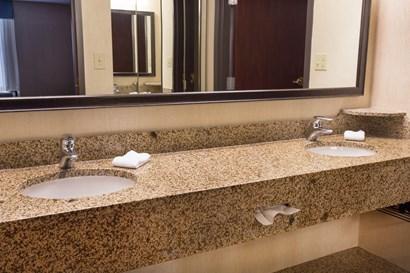 Drury Inn & Suites Troy - Bathroom
