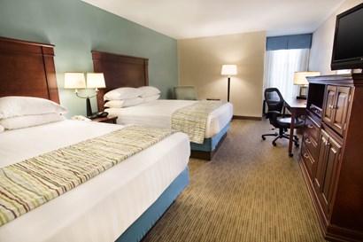 Drury Inn & Suites Troy - Deluxe Queen Guestroom