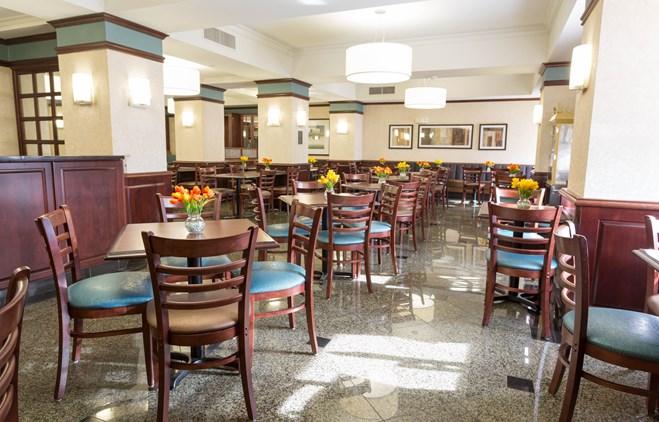 Drury Inn & Suites Troy - Dining Area