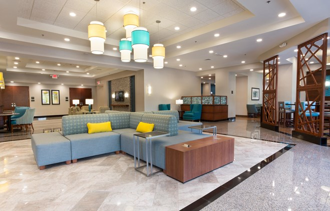 Drury Inn & Suites Grand Rapids - Lobby