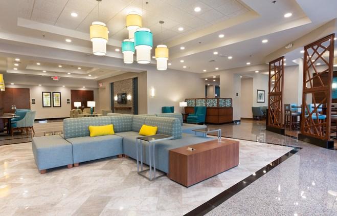 Drury Inn & Suites Grand Rapids - Lobby