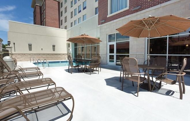 Drury Inn & Suites Grand Rapids - Indoor/Outdoor Pool