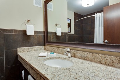 Drury Inn & Suites Dallas Frisco - Bathroom