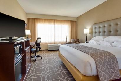 Drury Inn & Suites Dallas Frisco - Deluxe King Guestroom