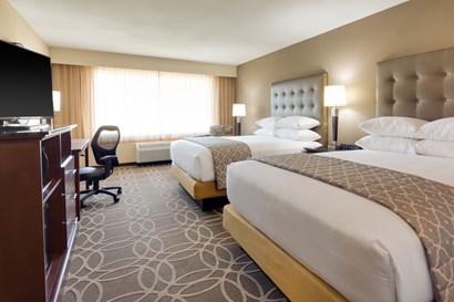 Drury Inn & Suites Dallas Frisco - Deluxe Queen Guestroom
