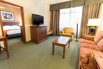 Drury Plaza Hotel Chesterfield - Two-room Suite Guestroom
