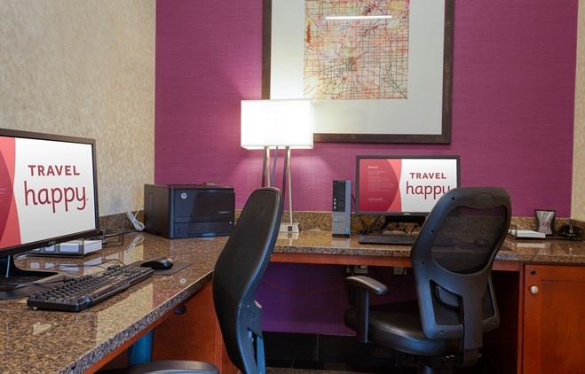 Drury Inn & Suites Indianapolis Northeast - 24 Hour Business Center