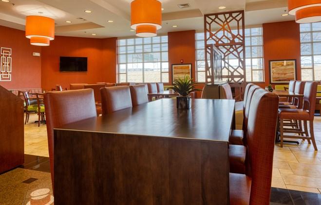 Drury Inn & Suites Indianapolis Northeast - Dining Area