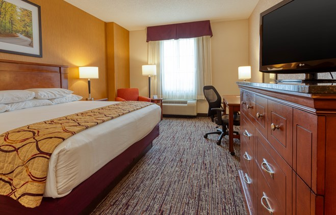 Drury Inn & Suites Indianapolis Northeast - Drury Hotels
