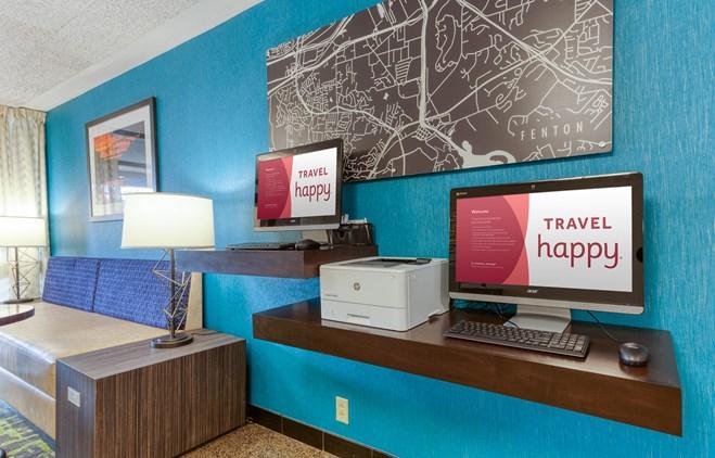 Drury Inn & Suites St. Louis Fenton - 24 Hour Business Center