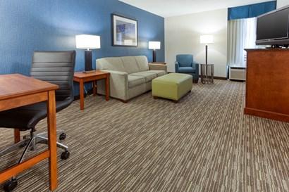 Drury Inn & Suites St. Louis Fenton - Two-room Suite Guestroom