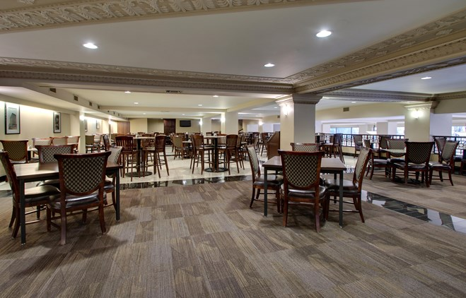 Drury Plaza Hotel Broadview Wichita - Dining Area