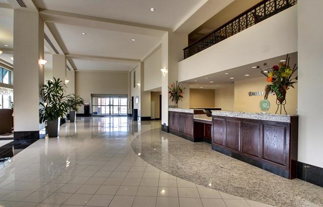 Drury Plaza Hotel Broadview Wichita - Lobby