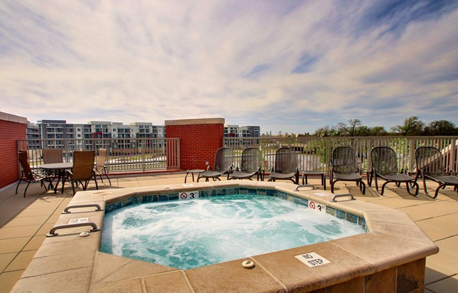 Drury Plaza Hotel Broadview Wichita - Outdoor Pool