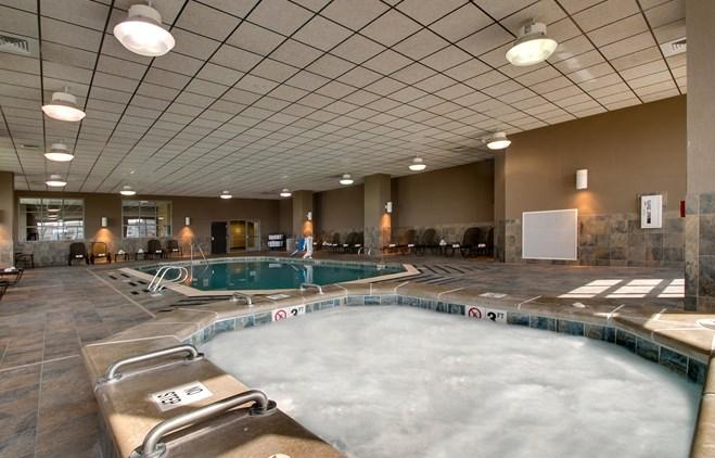Drury Plaza Hotel Broadview Wichita - Indoor Pool
