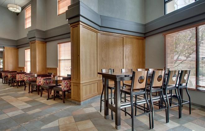 Drury Inn & Suites Albuquerque - Dining Area