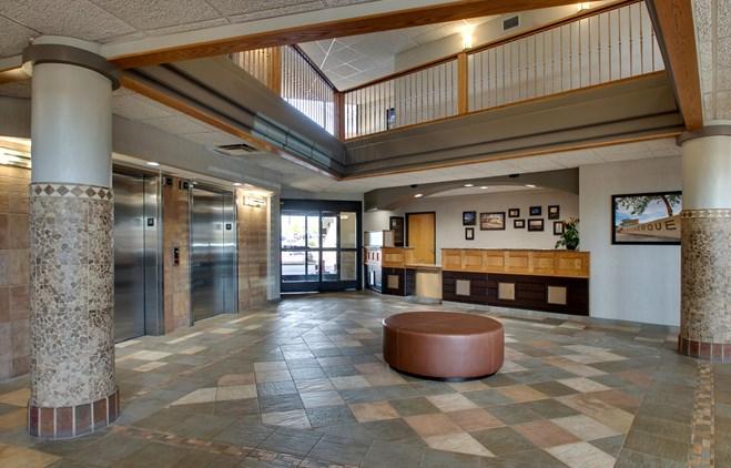 Drury Inn & Suites Albuquerque - Lobby
