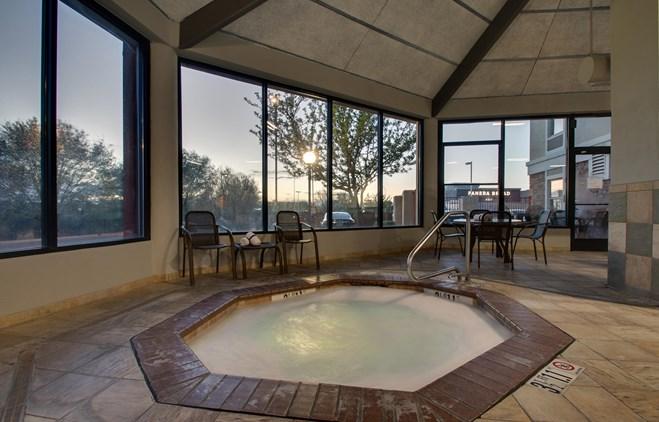 Drury Inn & Suites Albuquerque - Indoor Pool