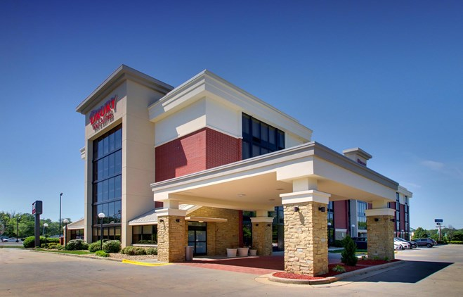 Drury Inn & Suites Greensboro - Drury Hotels