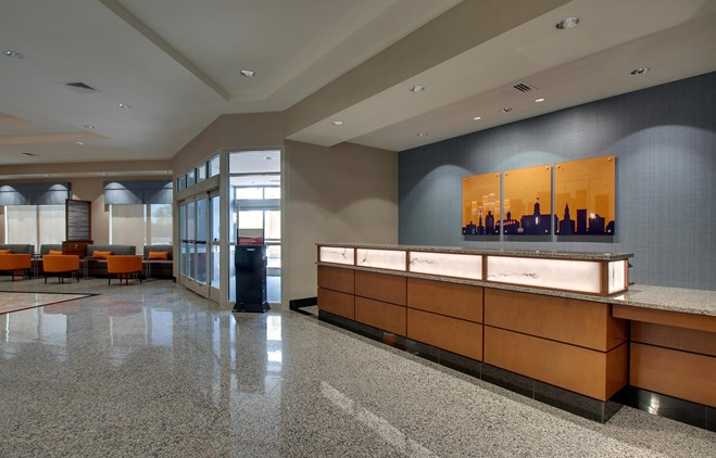Drury Inn & Suites Iowa City Coralville - Lobby
