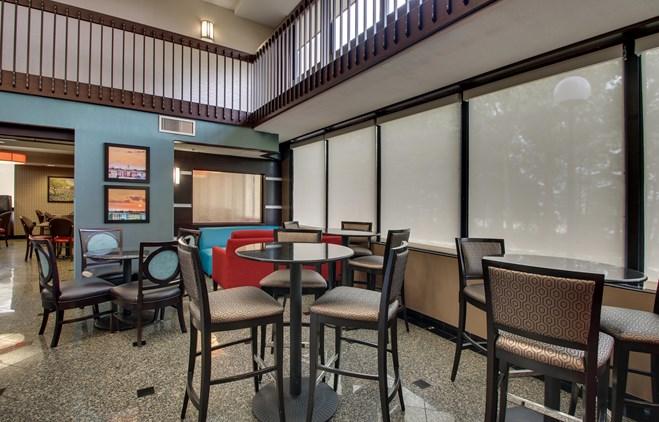 Drury Inn & Suites Houston the Woodlands - Lobby