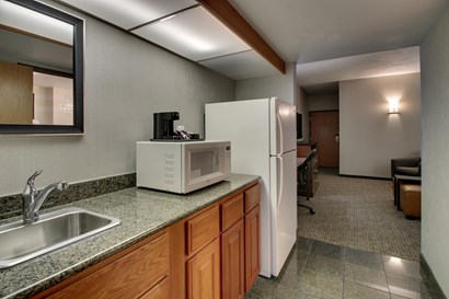 Drury Inn & Suites San Antonio Northeast Medical Center - Two-room Suite Guestroom