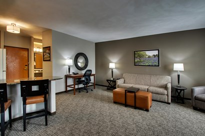Drury Inn & Suites San Antonio Northeast Medical Center - Queen Kitchen Guestroom