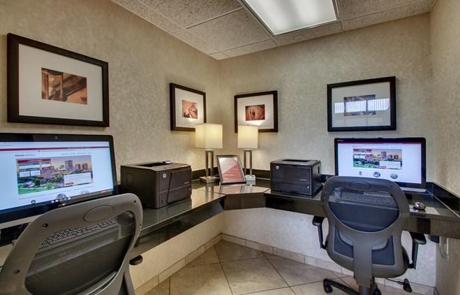 Drury Inn & Suites Houston Hobby - 24 Hour Business Center