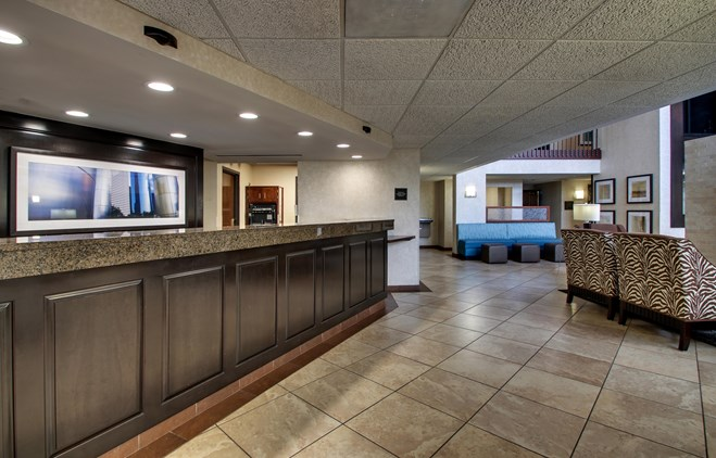 Drury Inn & Suites Houston Hobby - Lobby