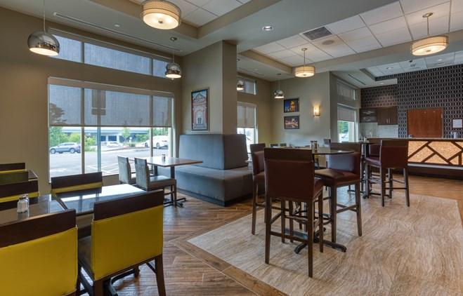Drury Inn & Suites Cincinnati Northeast Mason - Dining Area