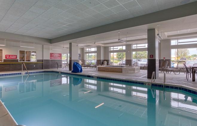 Drury Inn & Suites Cincinnati Northeast Mason - Indoor Pool
