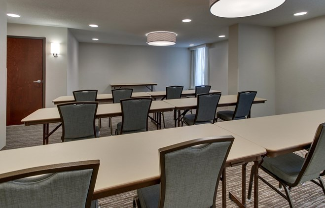 Pear Tree Inn St. Louis Airport - Meeting Space